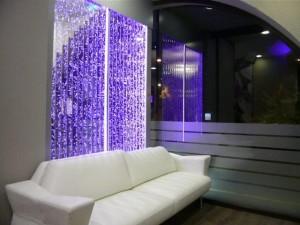 пузырьковая панель в офисном интерьере
